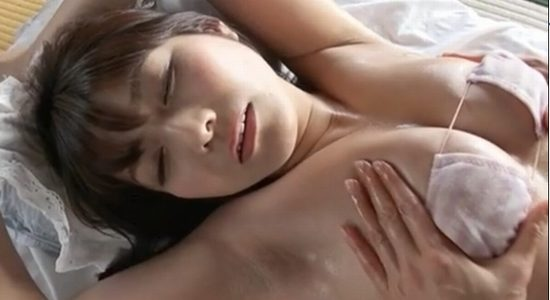 京本有加が激しいエロマッサージで静かに喘ぎます