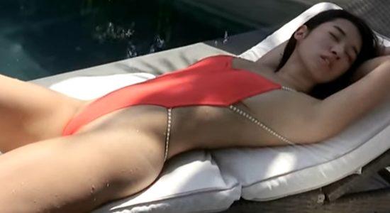 梧桐愛生 濡れたハイレグ水着で魅せるエチエチボディ