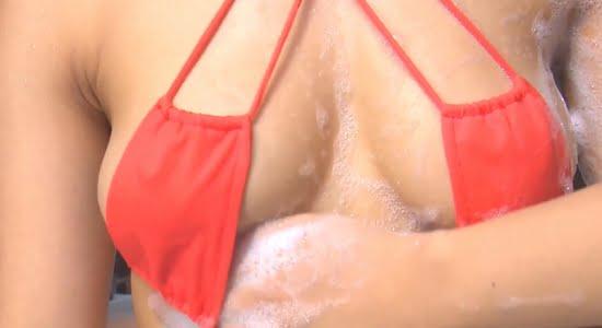 永井里菜 エッチな水着でおっぱいとお尻を揉み洗いされます