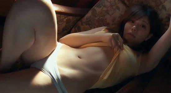 藤崎里菜 ノーブラブラウスで乳首ポチして誘ってきます