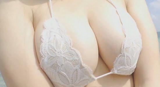 唐沢りん エッチなビキニで魅せるプルプル色白おっぱい