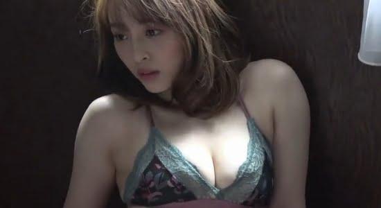 神部美咲 フェロモン溢れる水着おっぱいグラビア動画