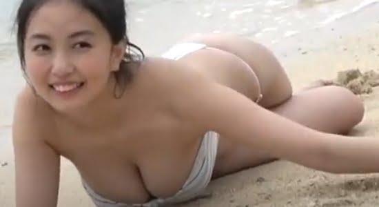 舞子 18歳現役「リケジョ」が魅せるHカップ巨乳グラビア