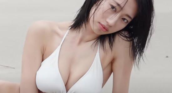前田こころ ビキニで魅せるスレンダーボディの健康美