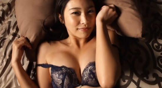 江藤菜摘 セクシーな黒下着でしっとりと擬似セックス