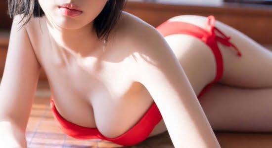 菊地姫奈 いろんなビキニで魅せる10代の色白くびれ巨乳