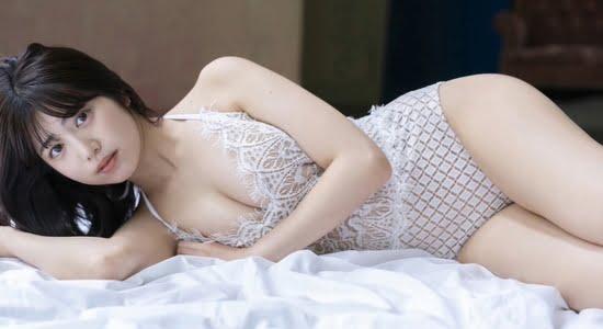 吉田莉桜 抜群のスタイルを見せつけるグラビア動画