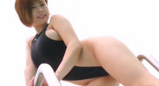 山本ゆう ハイレグ水着で魅せる色白ムチムチボディ