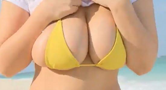 桐山瑠衣 黄色いビキニでおっぱいブルンブルン激揺れします