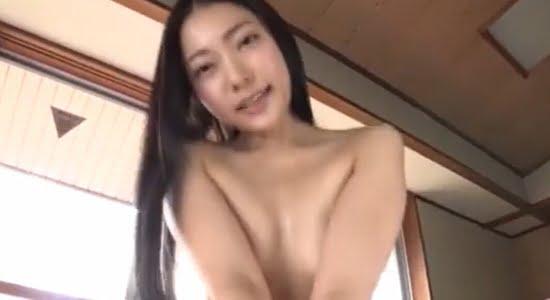 三田羽衣 朝から激しく上下運動する腕ブラの擬似セックス