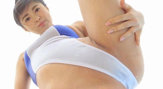 佐藤望美 ハイレグ水着で股間やお尻をこすり付けます